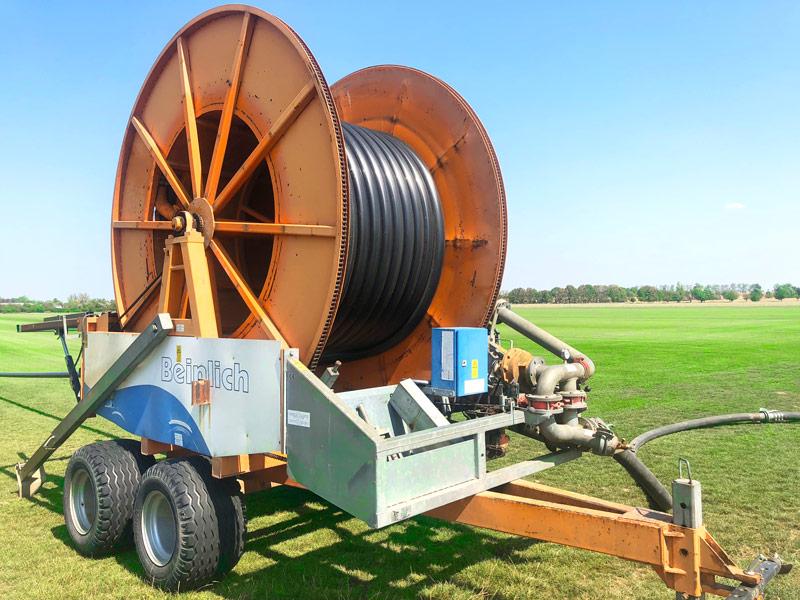 Produktion von Rollrasen - Bewässerungssystem beim Hersteller