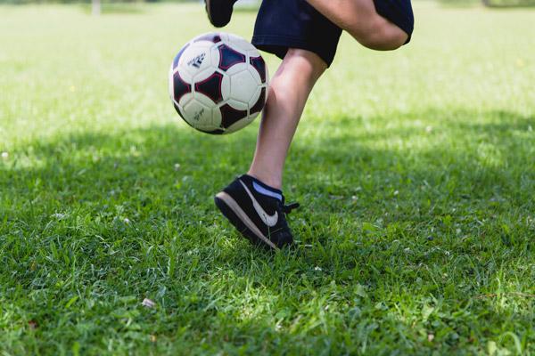 Sportrasen sollte in einem trockenen Sommer etwas geschont werden
