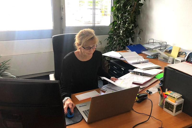 Unsere Fee in der Buchhaltung von Rollrasen Schirmer ist Marion Löscher